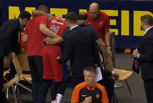 CSKA Moskova'ya Clyburn'den kötü haber geldi!
