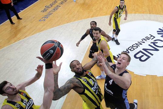 Fenerbahçe Beko Zenit Petersburg'a 84-81 mağlup oldu