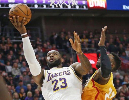 Los Angeles Lakers Utah Jazz karşısında farka gitti