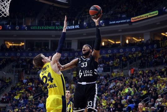 Fenerbahçe Beko evinde ağırladığı Asvel'i mağlup etti
