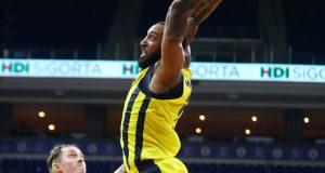 Derrick Williams'ın yıldızlaştığı maçta Fenerbahçe farklı kazandı (ÖZET)