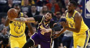 Lakers, LeBron'un olmadığı gecede Warriors'u ezdi geçti!