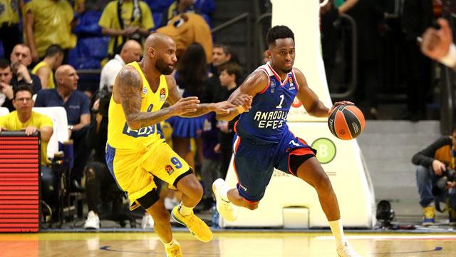 Larkin kaçırdı, Anadolu Efes Maccabi'ye mağlup oldu!