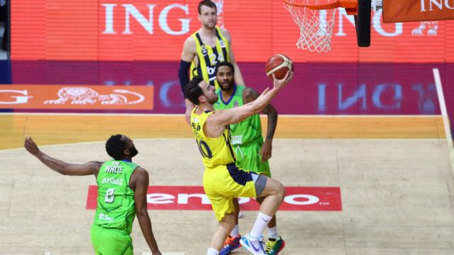Fenerbahçe takım halinde 28 asist yaparak maçı kazandı!