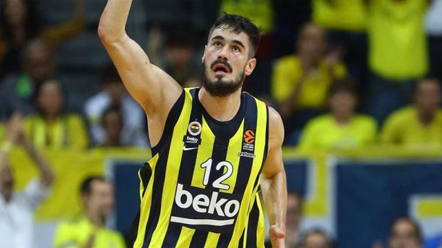 Fenerbahçeli Kalinic ve Efesli Micic'e milli davet